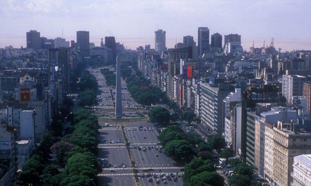 L'avenue la plus large au monde est à Buenos Aires !