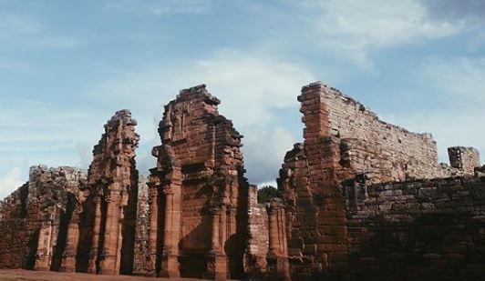à voir – à faire : les missions jésuites vestiges du passé
