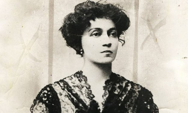 LOLA MORA, première sculptrice d'Amérique latine