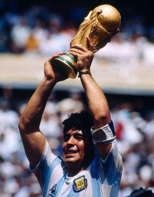 Diego Maradona : un prodige du football est mort